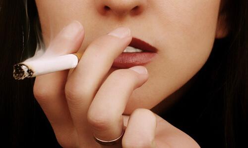 Курение после процедуры отбеливания зубов
