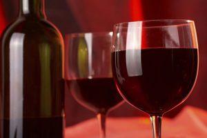 Молодое красное вино