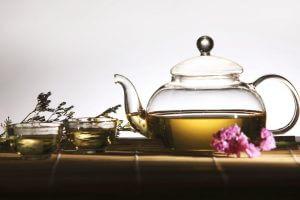 Польза употребления травяных чаев во время курения кальяна
