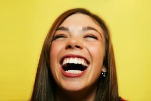 Беспричинный смех - симптом курения травки