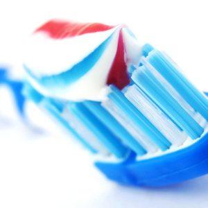 Применение специальных зубных паст при курении