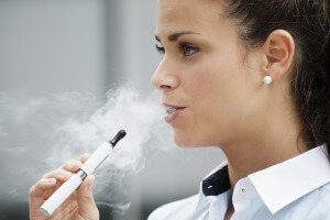Переход на электронные сигареты при болях в горле
