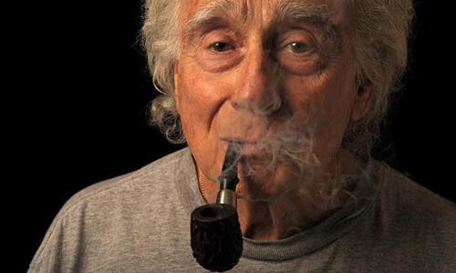 Курение табака через трубку