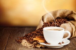 Кофе - причина усиления запаха сигарет изо рта