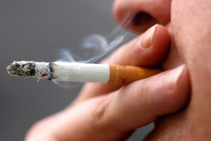 Курение - причина болезней горла