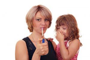 Курение по примеру родителей