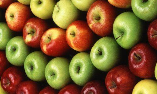 Приготовление кальяна на яблоках