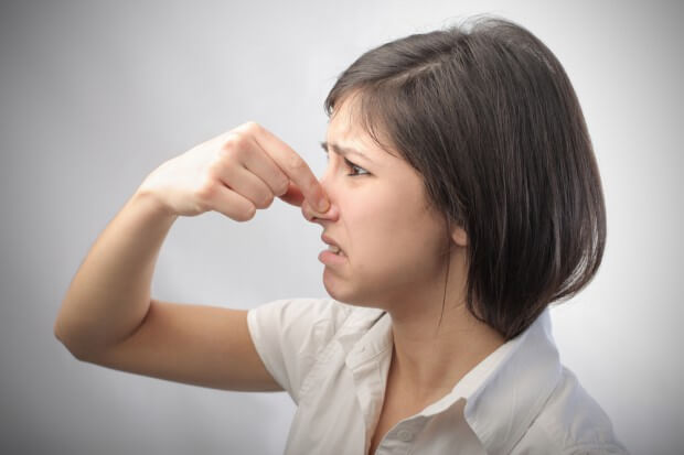 табачный запах изо рта причина