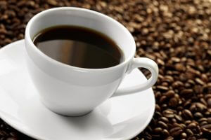 Применение отбеливающих паст при частом употреблении крепкого кофе